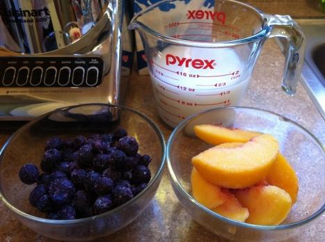 Blueberry Peach Juice becauseitsgoodforyou.com