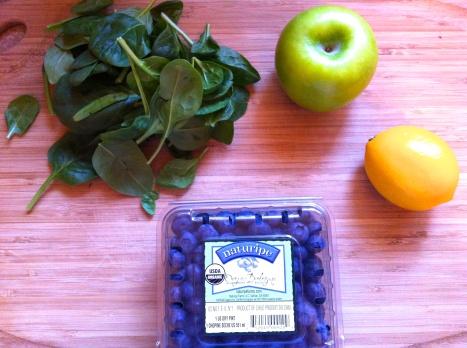 Spinach Blueberry Juice becauseitsgoodforyou.com